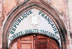La laïcité, c'est quoi ?  300px-Liberte-egalite-fraternite-tympanum-church-saint-pancrace-aups-var