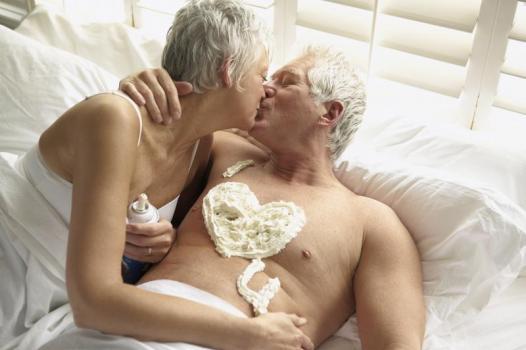 Besandose en el jacuzzi de un motel barato 5