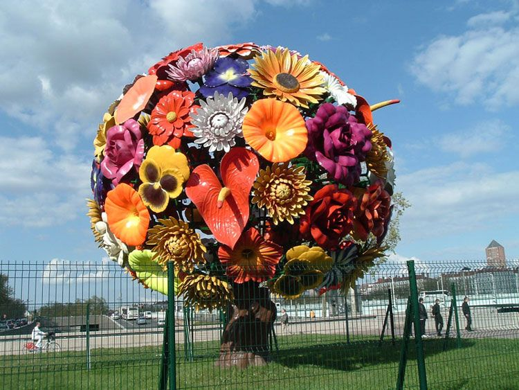 Gif photo bouquet fleurs sculpture centre ville for Bouquet de fleurs humour