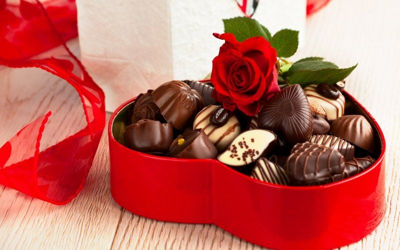 food-chocolate-red-rose-red-box-heart-ribbon-candies-1440x900