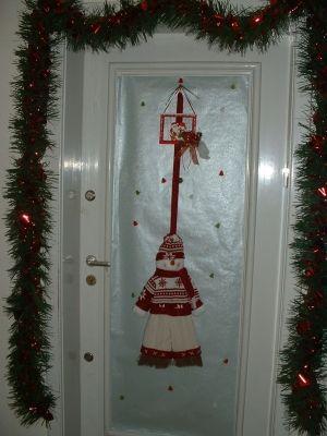 Jour j moins 9 de noel fen tres et portes noel for Decoration noel porte de garage