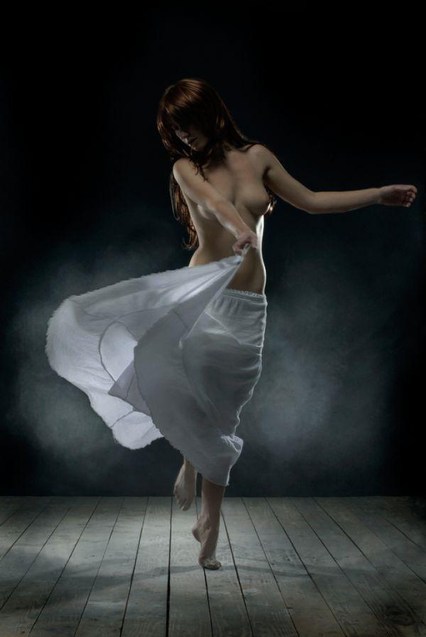 gif : danseuse nue