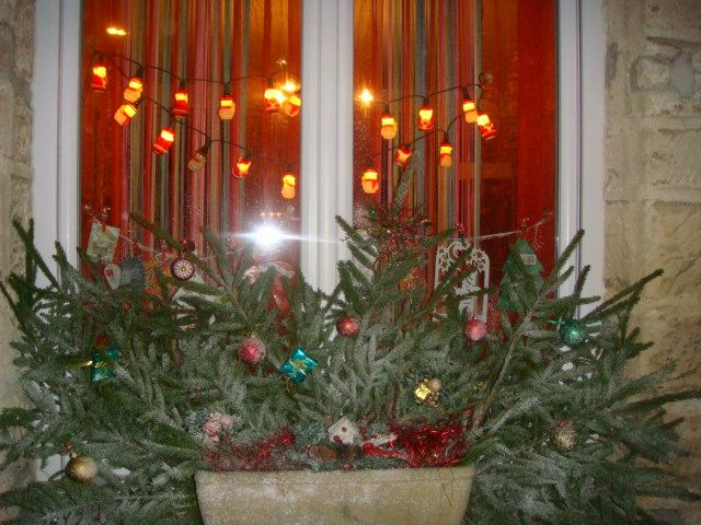 Noel au balcon ou la fen tre images gifs dont anim s for Decoration de fenetre pour noel