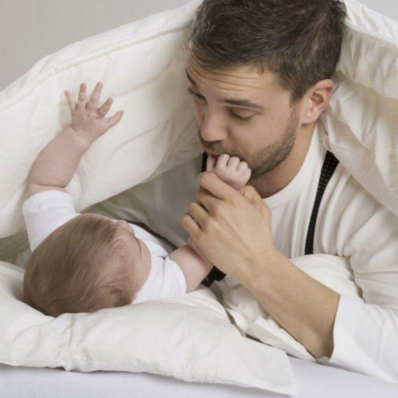 Les hommes avec leur enfant  Papa-bebe